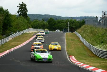 Marcel Hoppe und Harald Thönnes im Fleper-Porsche 944 Turbo erkämpfen sich beim Saisonhighlight den dritten Klassensieg in Folge. Bild: BRfoto