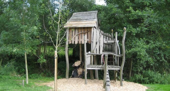 Baumhaus auf Fabri´s Wiese wieder hergestellt