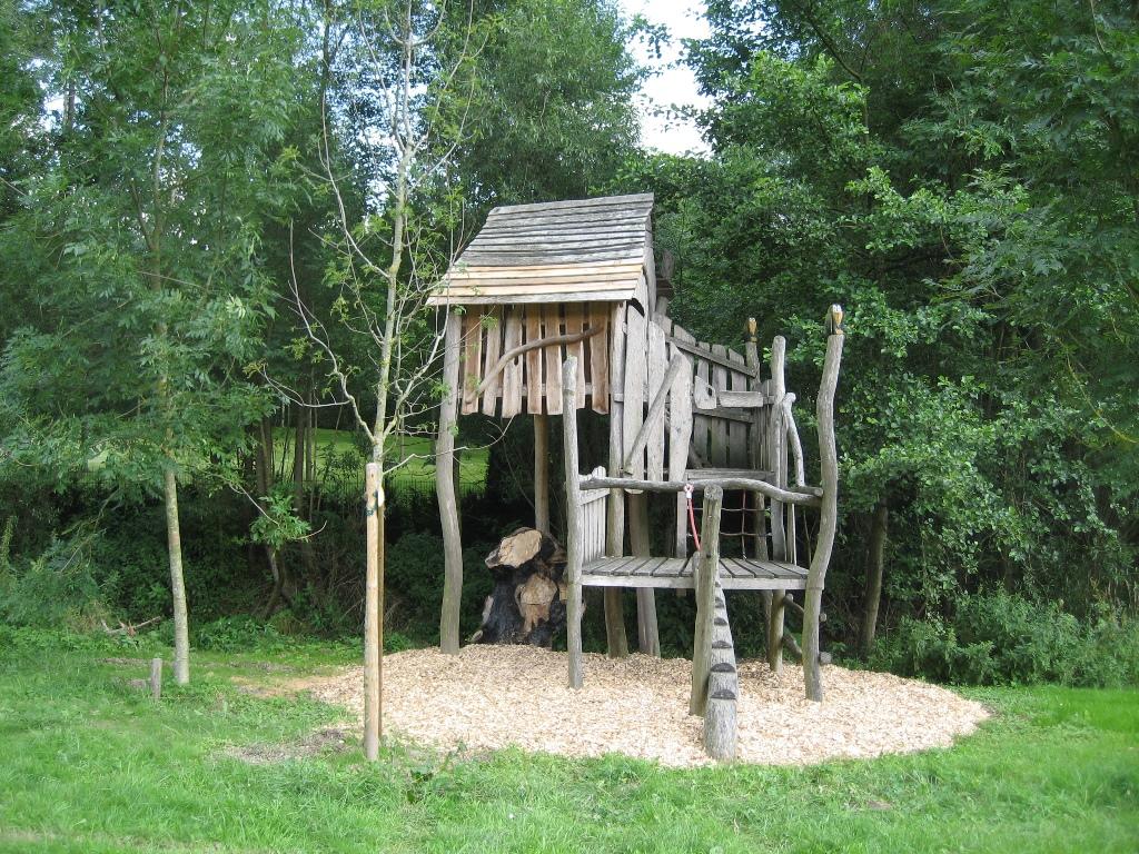 Bild von Baumhaus auf Fabri´s Wiese wieder hergestellt