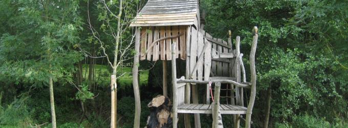 """Baumhaus auf der """"bespielbaren Landschaft"""" Fabri´s Wiese"""