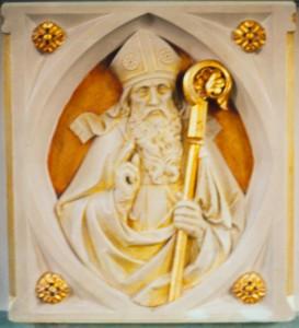 Relief des hl. Burchard am Altar der Oedinger Pfarrkirche