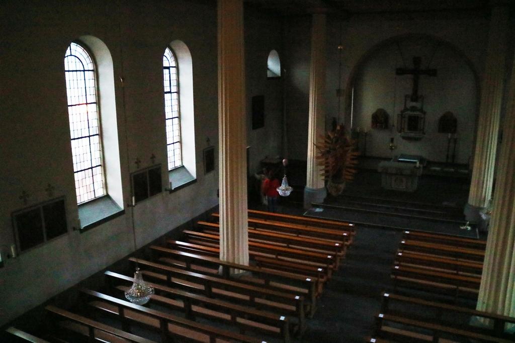 Bild von Der Tabernakel steht offen, das Allerheiligste ist ausgezogen und das Ewige Licht ist erloschen – Die Kirchenrenovierung beginnt: Tag 1