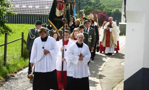 Nach der Predigt gabs Applaus – Weihbischof König zelebriert Pontifikalamt