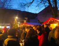 Weihnachtsmarkt in Oedingen mit Übergabe der Glocken 2018 durch den Kindergarten und die Grundschule