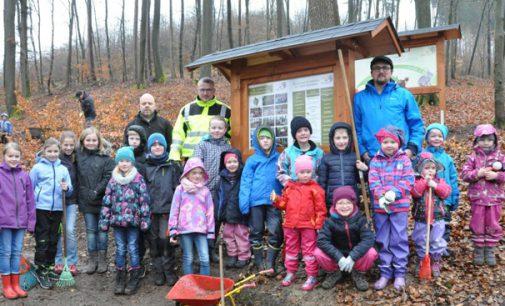 Eltern geben Hoffnung auf zweite Eingangsklasse in Oedingen nicht auf – Vorbereitung des Waldklassenzimmers