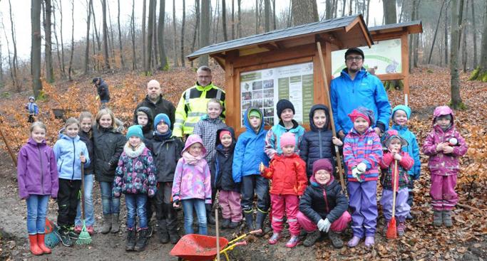 Bild von Eltern geben Hoffnung auf zweite Eingangsklasse in Oedingen nicht auf – Vorbereitung des Waldklassenzimmers