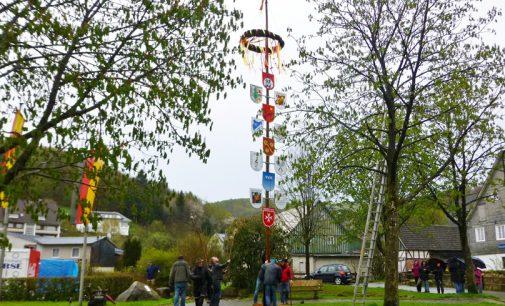 Maibaum aufstellen am 30. April und Wandertreff am Meilerplatz am 01. Mai