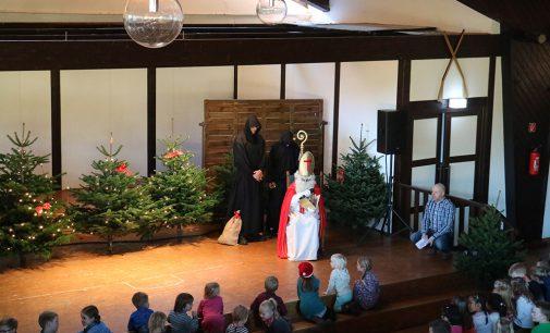 Der Nikolaus kommt – Nikolausfeier in der Schützenhalle