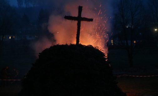 Aufbau des Osterfeuers am Samstag, 13.04.2019